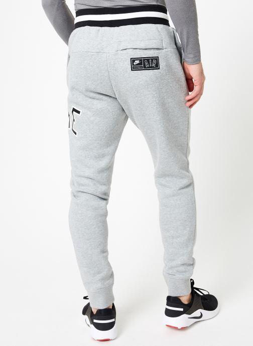 Vêtements Nike M Nike Sportwear Nike Air Pant Flc Gris vue portées chaussures