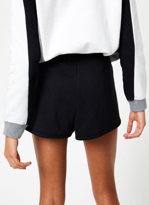 Ropa Nike W Nike Sportwear Short Flc Logo Tape Negro vista del modelo