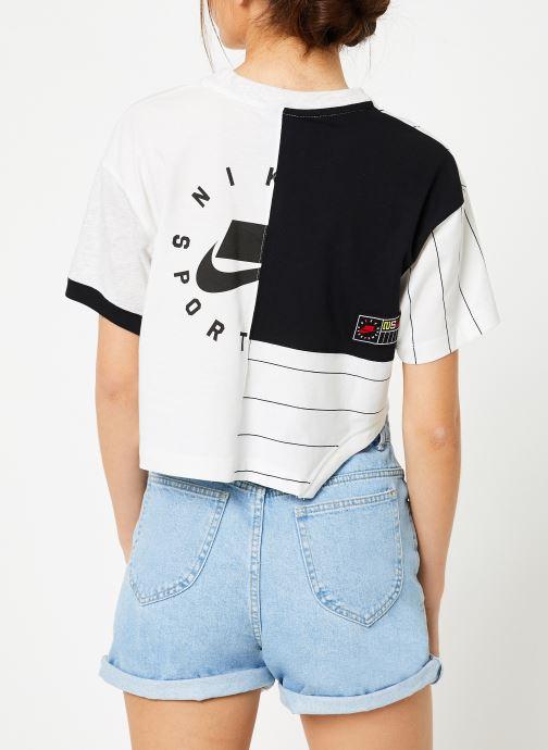 Vêtements Nike W Nike Sportwear Nike Sportwear Top Short-Sleeve Blanc vue portées chaussures