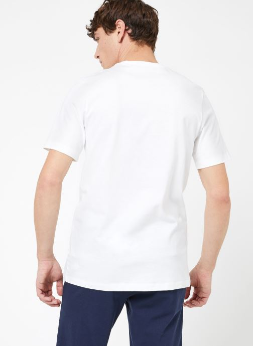 Kleding Nike M Nike Sportwear Club Tee Wit model