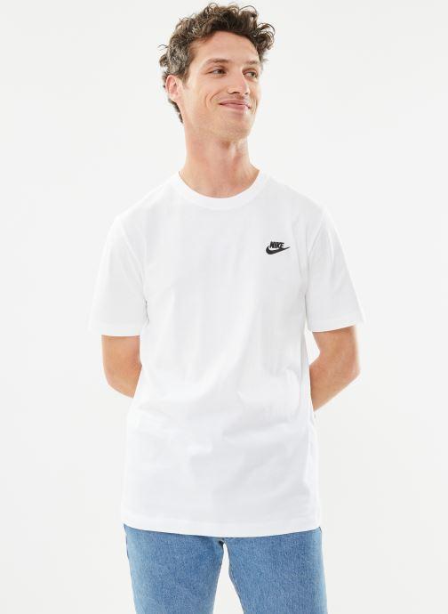Tøj Nike M Nike Sportwear Club Tee Hvid detaljeret billede af skoene
