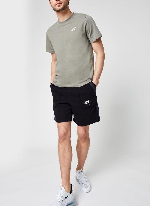 Vêtements Nike M Nike Sportwear Club Tee Vert vue bas / vue portée sac