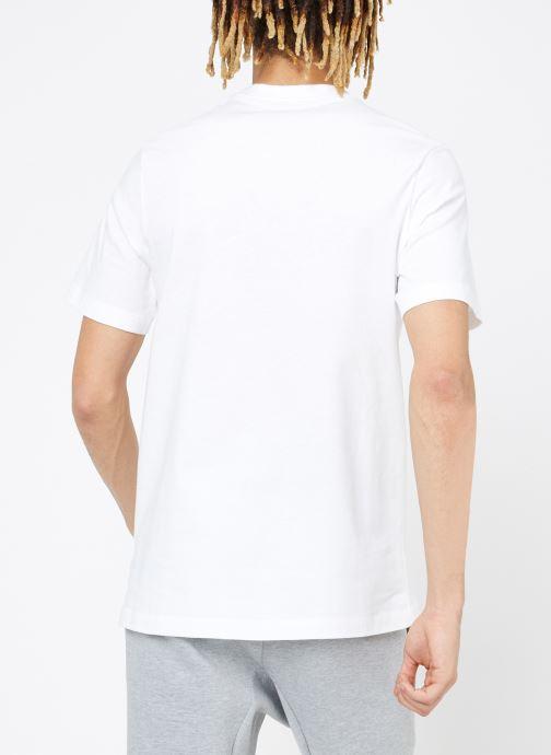 Vêtements Nike M Nike Sportwear Tee Just Do It Swoosh Blanc vue portées chaussures