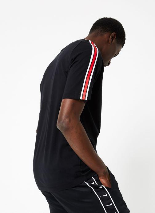 Vêtements Nike M Nike Sportwear Tee Cltr Nike Air 3 Noir vue portées chaussures