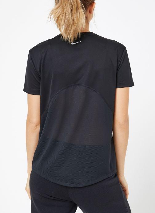 Kleding Nike W Nike Miler Top Vneck Zwart model