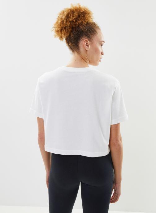 Kleding Nike W Nike Sportwear Tee Essential Crp Icn Ftra Wit model
