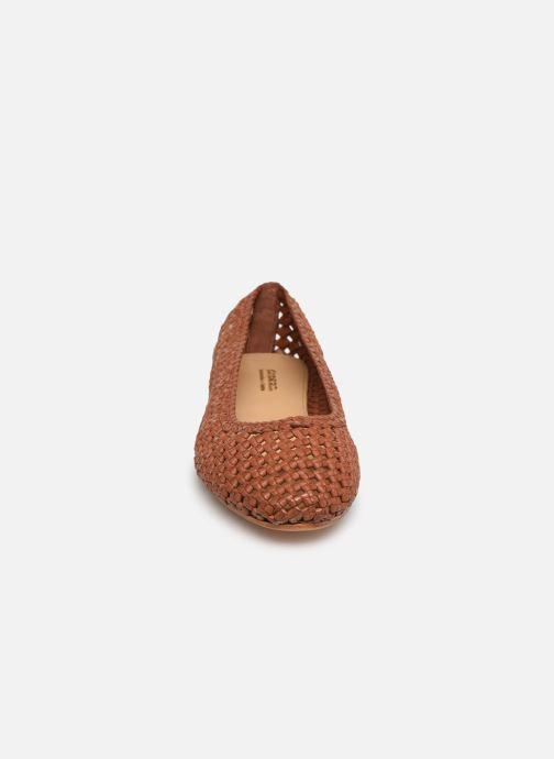 Ballerines Dragon Diffusion Tess Marron vue portées chaussures
