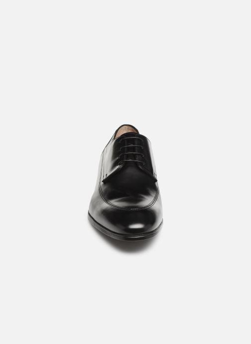 Zapatos con cordones Santoni Simon 16620 Negro vista del modelo