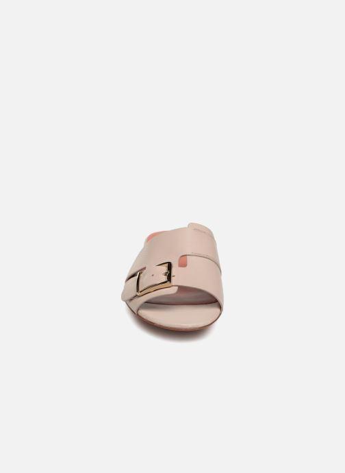 Mules et sabots Santoni Brigitte Flat Beige vue portées chaussures