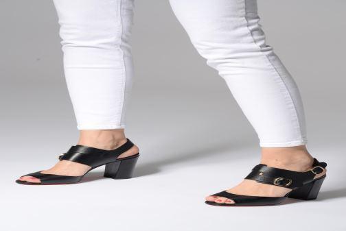 Sandales et nu-pieds Santoni Manet 85 Noir vue bas / vue portée sac