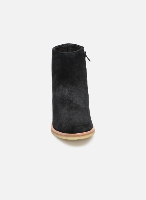 Bottines et boots Clarks Originals Amara Boot Noir vue portées chaussures