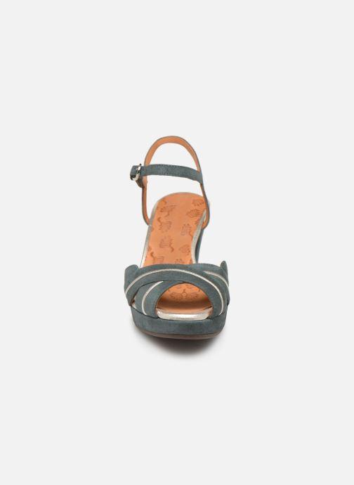 Sandales et nu-pieds Chie Mihara Nalu Bleu vue portées chaussures