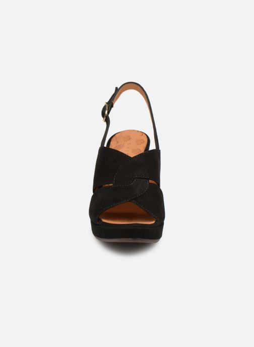 Escarpins Chie Mihara Eskol Noir vue portées chaussures