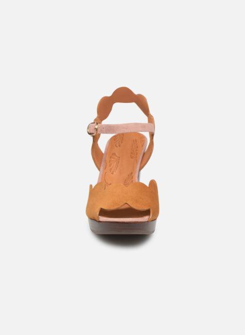 Sandales et nu-pieds Chie Mihara E-Evolet Marron vue portées chaussures