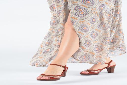 Sandales et nu-pieds Chie Mihara Enea Rouge vue bas / vue portée sac