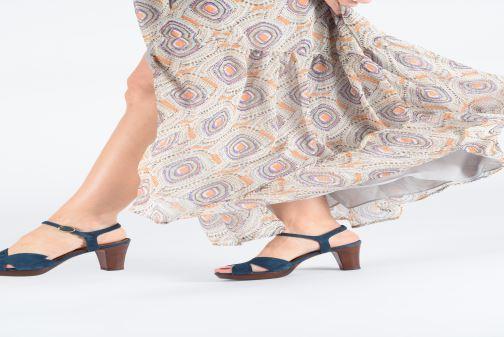 Sandales et nu-pieds Chie Mihara E-Ebisa Bleu vue bas / vue portée sac