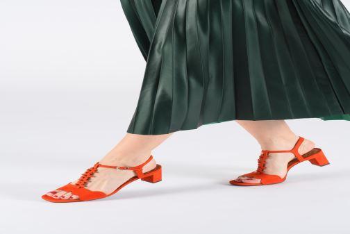 Sandales et nu-pieds Chie Mihara Lonza Orange vue bas / vue portée sac