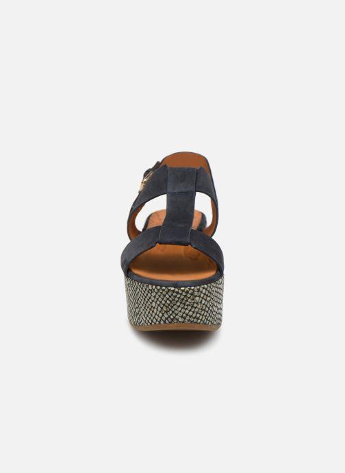 Sandales et nu-pieds Chie Mihara Olivia Bleu vue portées chaussures