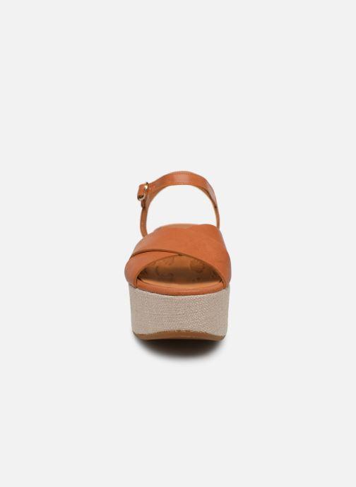 Sandales et nu-pieds Chie Mihara Omero Marron vue portées chaussures