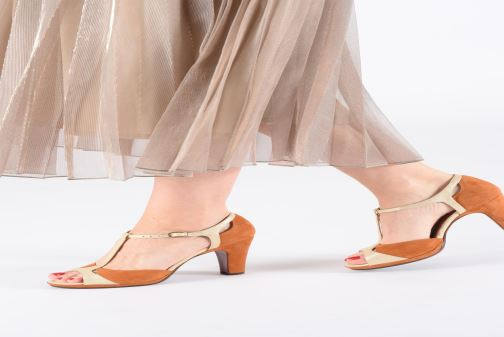 High heels Chie Mihara Acai Brown view from underneath / model view