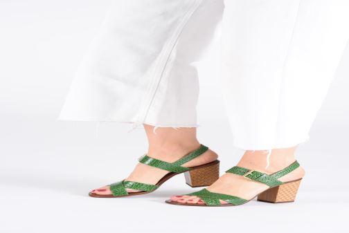 Sandales et nu-pieds Chie Mihara Hael Vert vue bas / vue portée sac