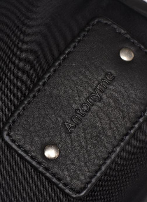 Portemonnaies & Clutches Antonyme by Nat & Nin Nomad schwarz ansicht von links