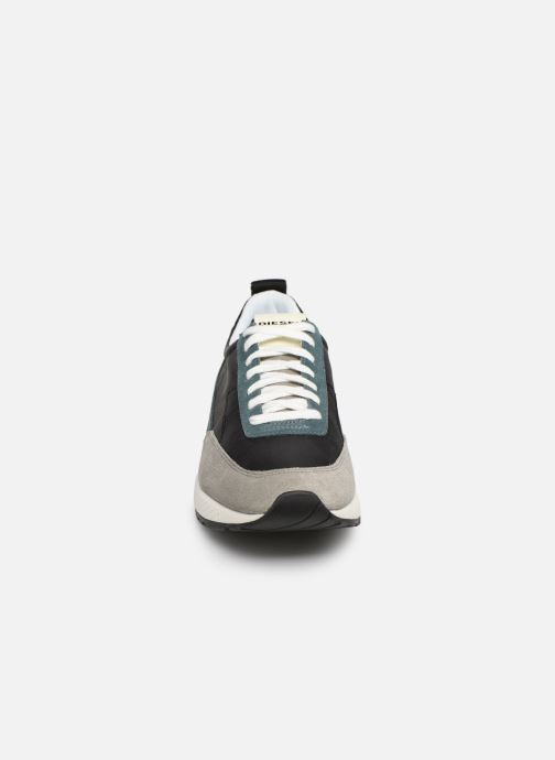 Sneakers Diesel S-Kb Low Lace Grigio modello indossato