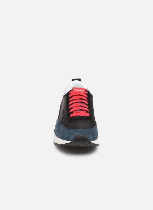 Sneakers Diesel S-Kb Low Lace Nero modello indossato