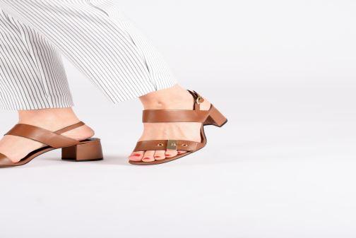 Sandales et nu-pieds Bruno Premi BW0701P Marron vue bas / vue portée sac