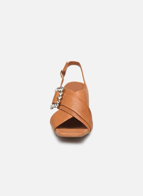 Sandales et nu-pieds Bruno Premi BW3106X Marron vue portées chaussures