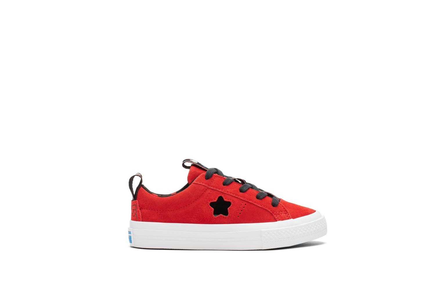 Baskets Converse Converse x Hello Kitty - One Star Ox Rouge vue détail/paire