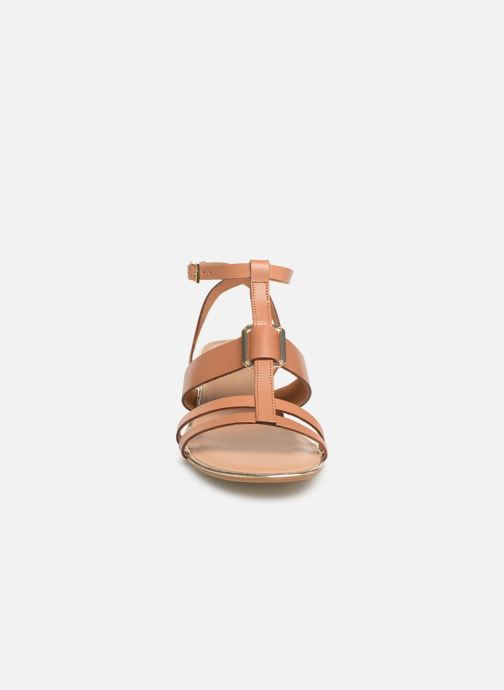 Sandales et nu-pieds Georgia Rose Loriane Marron vue portées chaussures