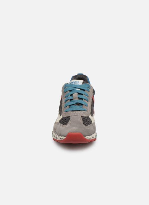 Baskets Geox J Alben Boy J929EA Gris vue portées chaussures