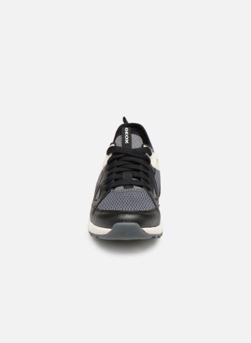 Baskets Geox J Alben Boy J929ED Noir vue portées chaussures