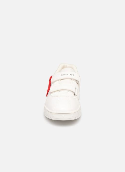 Baskets Geox J Skylin Girl J928WC Blanc vue portées chaussures
