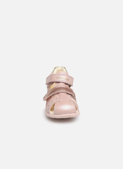 Sandalen Geox B Kaytan B9251A rosa schuhe getragen