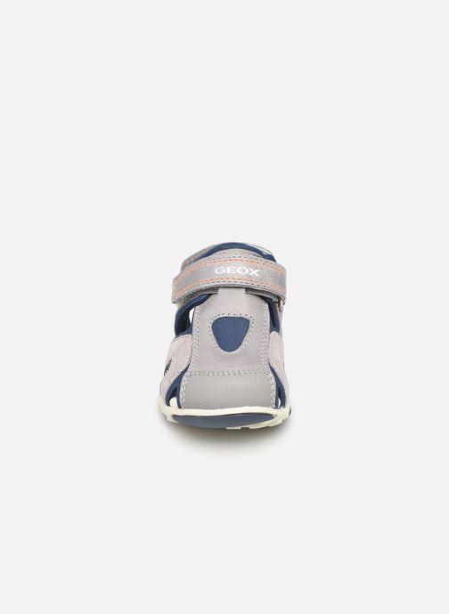 Sandales et nu-pieds Geox B Sandal Agasim Boy B921AC Gris vue portées chaussures