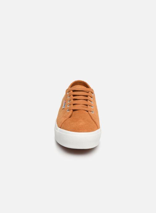 Baskets Superga 2730 Sueu W Marron vue portées chaussures