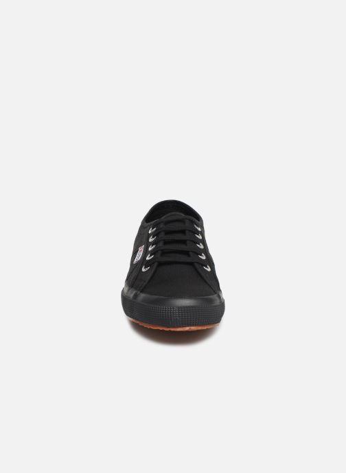Baskets Superga 2750 Cotu C W Noir vue portées chaussures