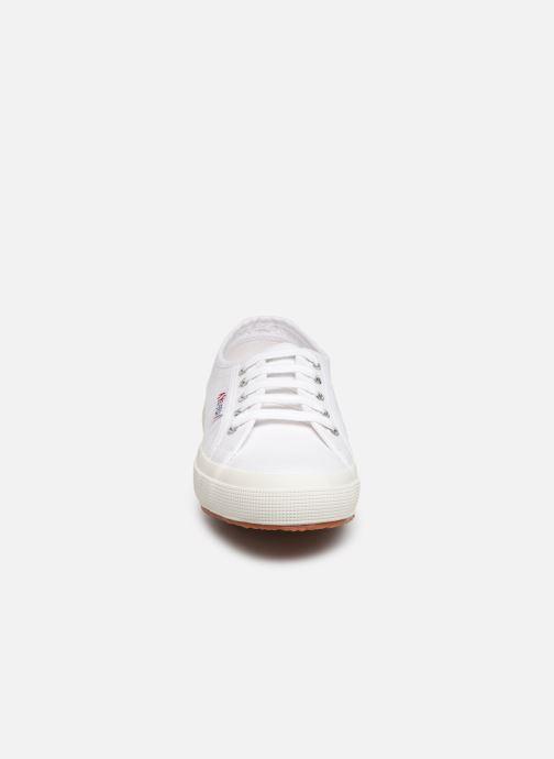 Baskets Superga 2750 Cotu C W Blanc vue portées chaussures