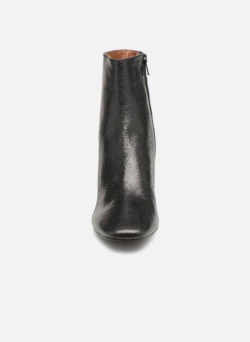 Stivaletti e tronchetti Monoprix Femme BOTTINE TALON CUIR CRAQUELE Nero modello indossato