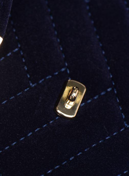 Bolsos de mano Monoprix Femme POCHETTE VELOURS MATELASSEE ZIGZAG Azul vistra trasera