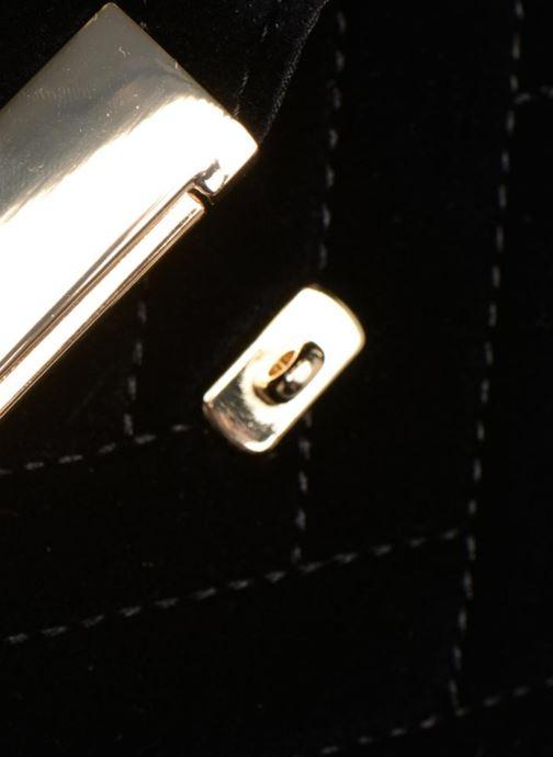 Handtaschen Monoprix Femme POCHETTE VELOURS MATELASSEE ZIGZAG schwarz ansicht von links