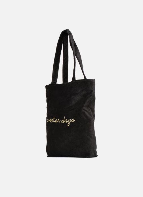 Sacs à main Monoprix Femme TOTE BAG VELOURS WINTER Noir vue portées chaussures