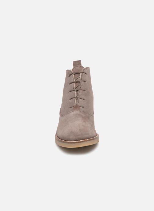 Scarpe con lacci Monoprix Premium BOOTS LACETS FOUREE Grigio modello indossato