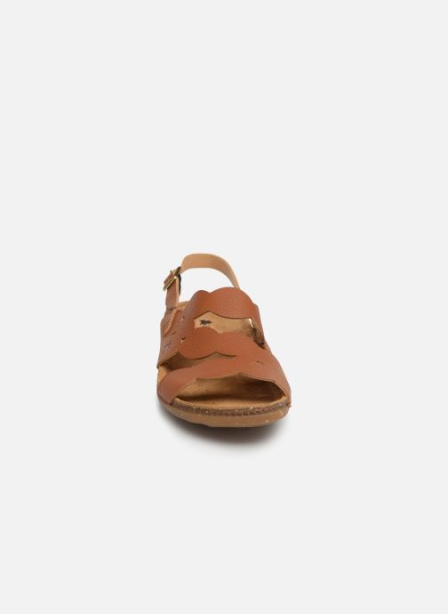 Sandales et nu-pieds El Naturalista Torcal N5223 Marron vue portées chaussures