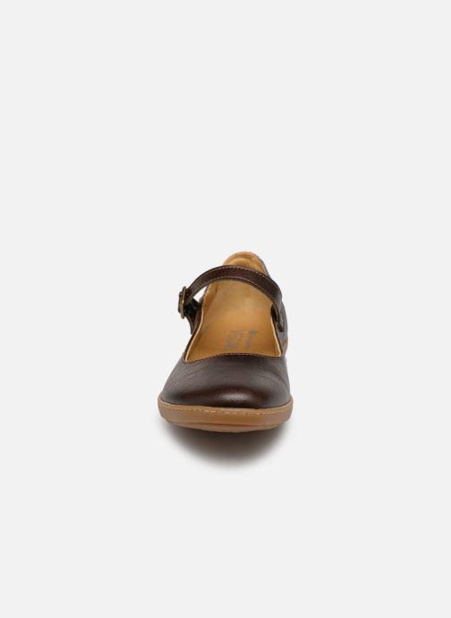 Ballerines El Naturalista Coral N5605T Marron vue portées chaussures