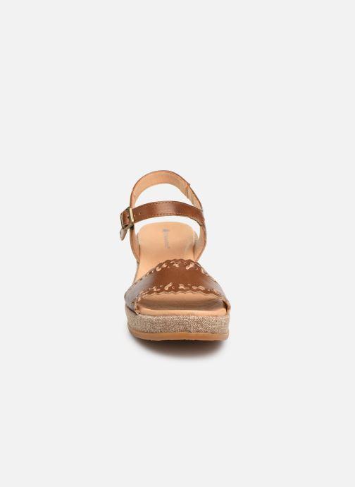 Sandales et nu-pieds El Naturalista Leaves N5026 Marron vue portées chaussures