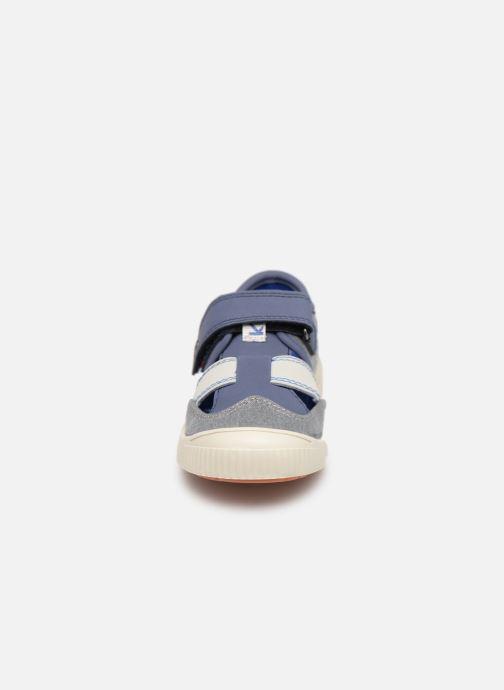 Ballerine Kickers Zut Azzurro modello indossato