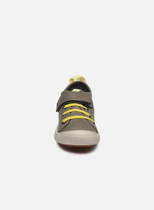 Baskets Kickers Zhou Vert vue portées chaussures